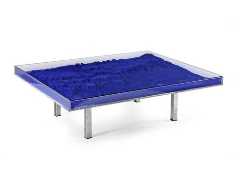 Yves Klein - table